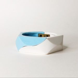 VINTAGE | 1970's Chunky Lucite Bangle | OS